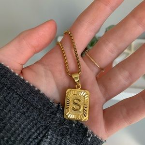Gold S necklace